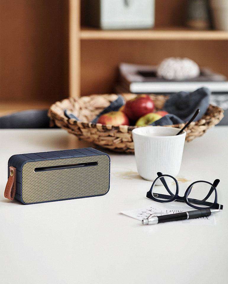 aMove Bluetooth Speaker Black/Gold