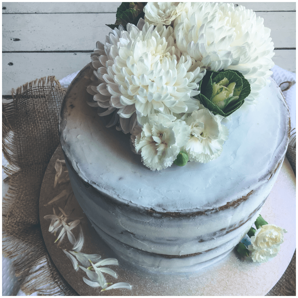 One Tier Wedding Cake In Whites Bakealicious By Gabriela