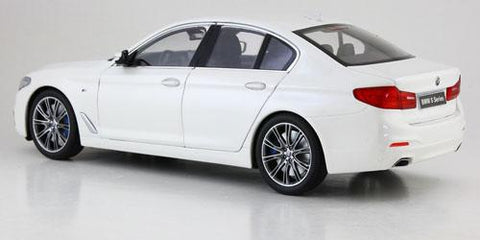 1:18 BMW 5 Series (G30) Mineral White