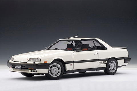 1/18 NISSAN SKYLINE (DR30) 2000 RS-X TURBO C (White)
