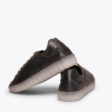 FLEXY Zapatilla NEGRO extra flexible con picado
