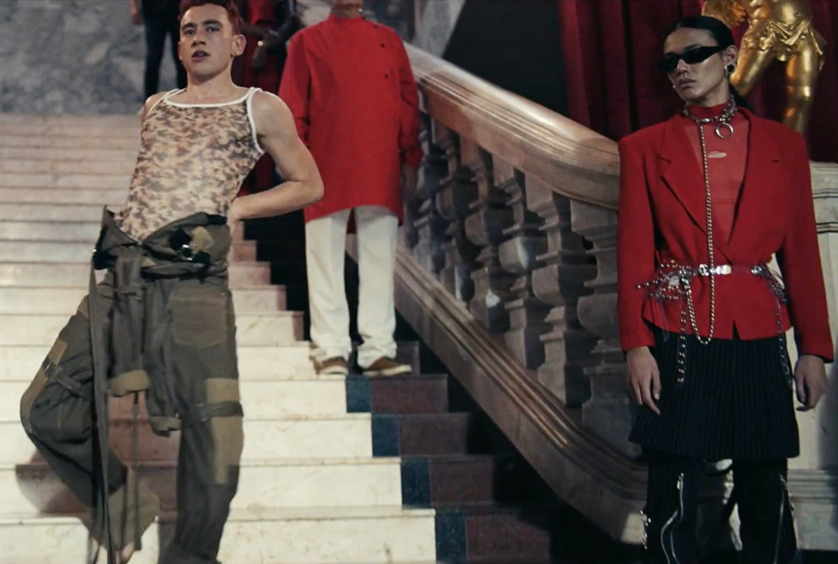 Years and Years Santify Video featuring Jivomir Domoustchiev accessories