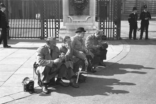 Paparazzi in London - England 1951