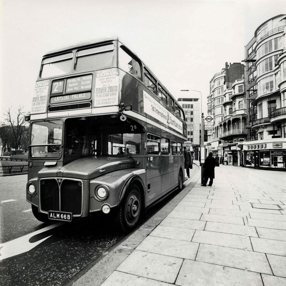 Old London Red Bus - Fine Art Print mit Rahmen und Passepartout ...