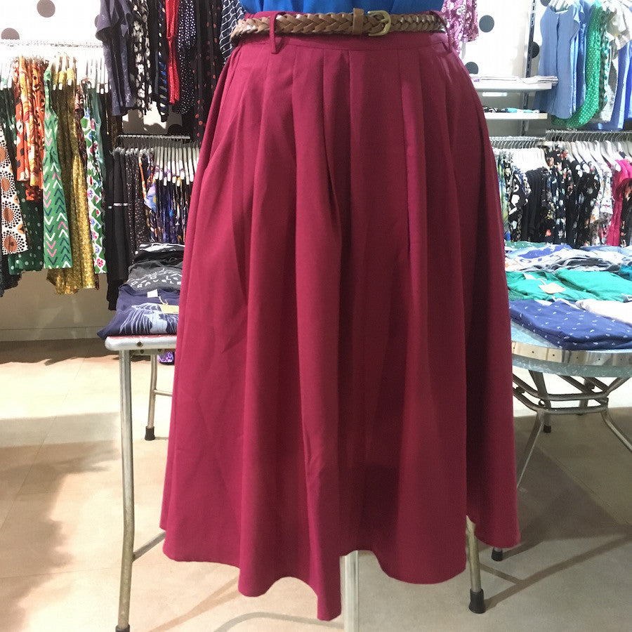 Origami Doll Essential Skirt in Claret