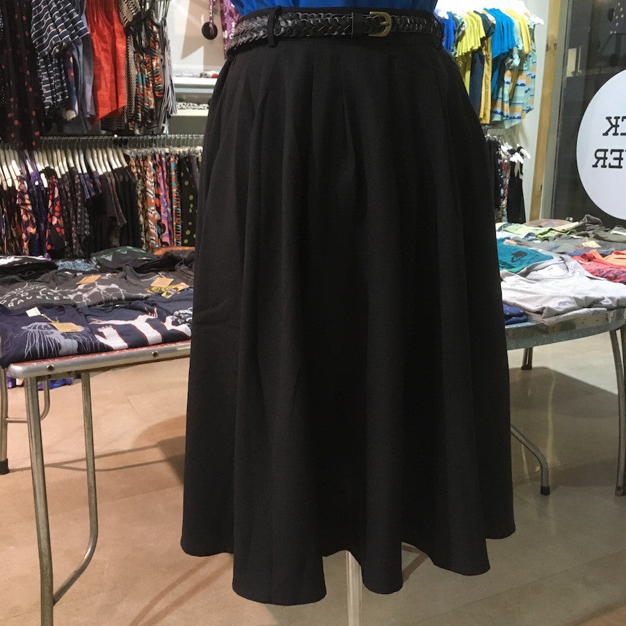 Origami Doll Essential Skirt in Midnight Black