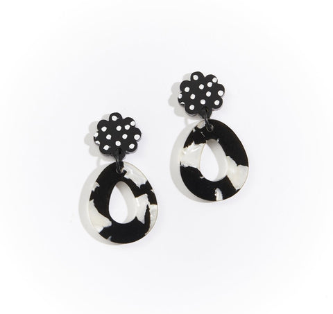 Martha Jean Black/White Daisy Earrings