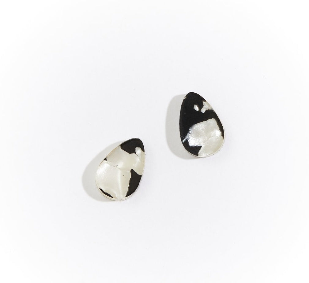 Martha Jean Black / White Raindrop Stud Earrings
