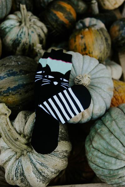Woven Pear Black Cat Socks