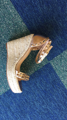 rose gold metallic studded wedges
