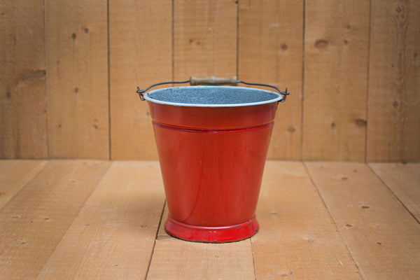 Genuine Vintage Bucket :: Poppy Red
