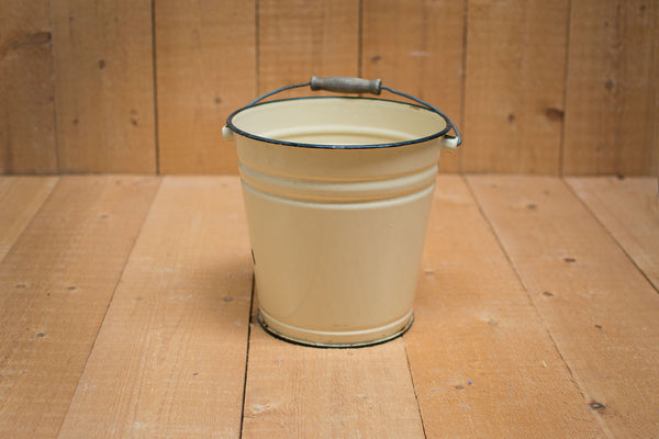 Genuine Vintage Bucket :: Vanilla