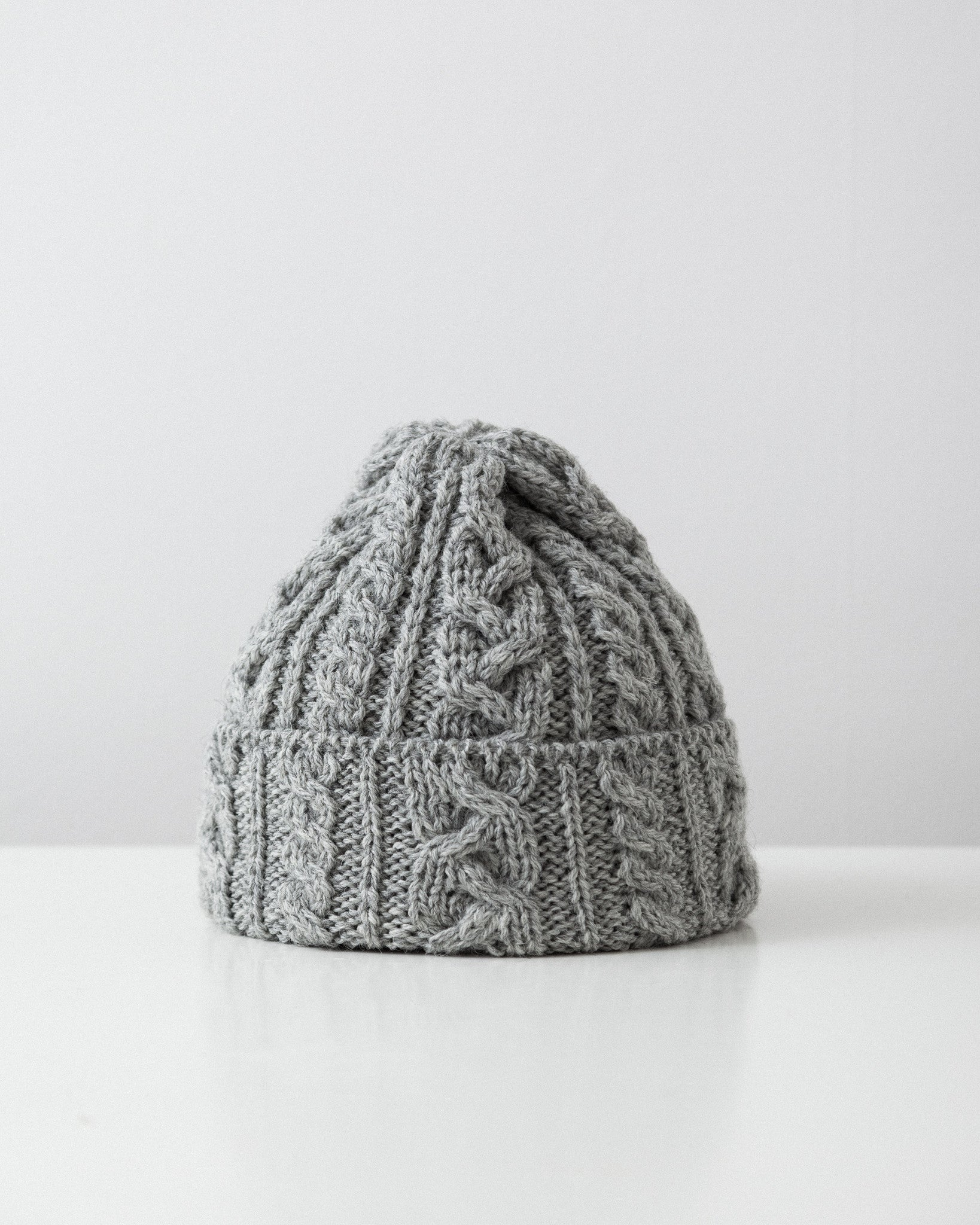 Highland 2000 - Cable Knit Hat - Light Grey