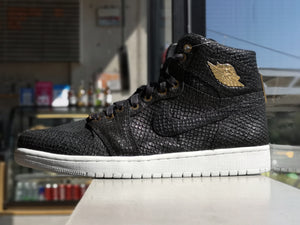 Air Jordan 1 Retro High Black Pinnacle