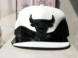 Mitchell & Ness Chicago Bulls Snapback CBUWHIT-Shine/White