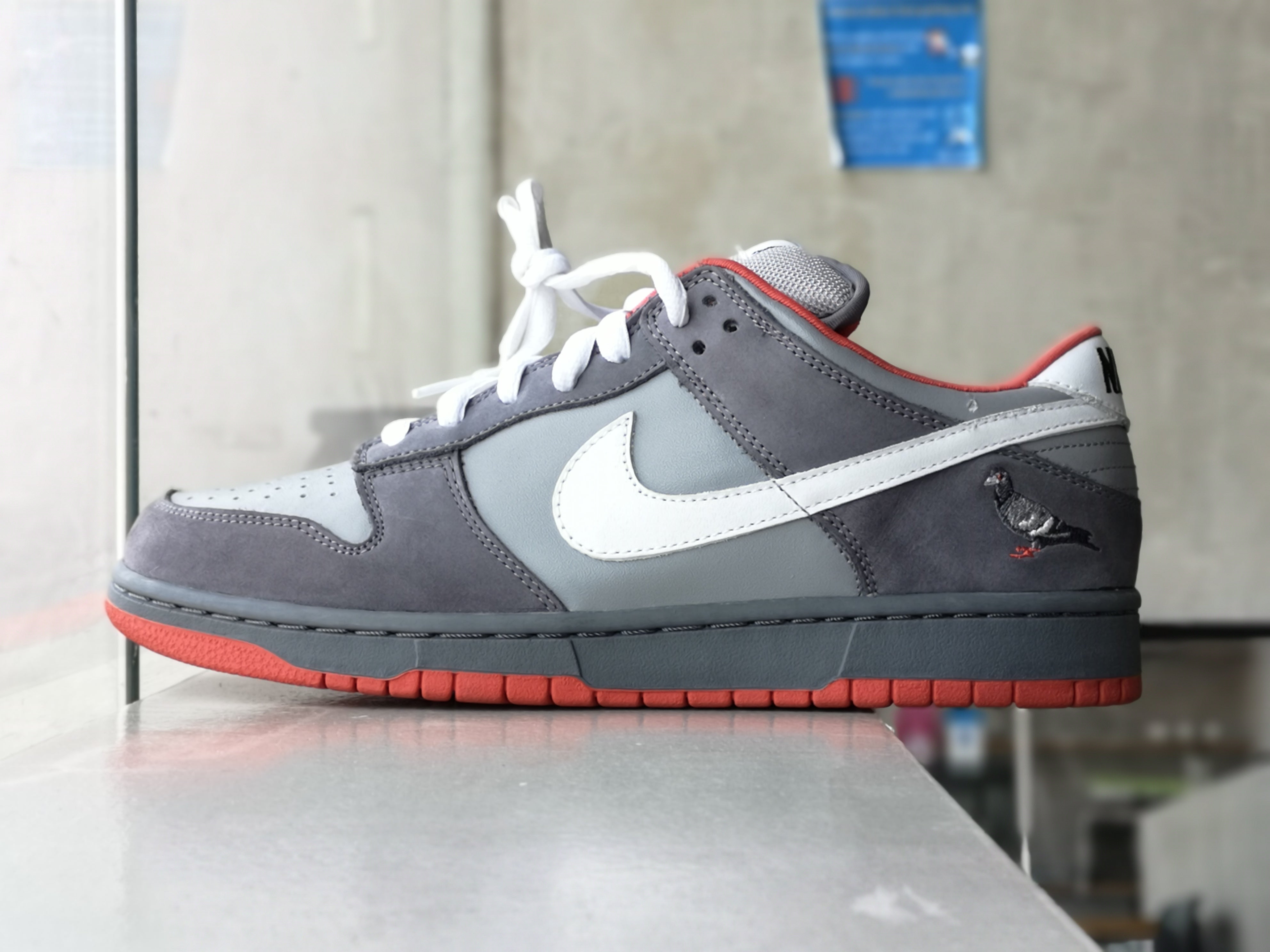 Nike Dunk SB Low Staple Pigeon 2004 (signed)