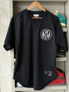 Mitchell & Ness Atlanta United FC V-Neck Mesh Jersey/Black