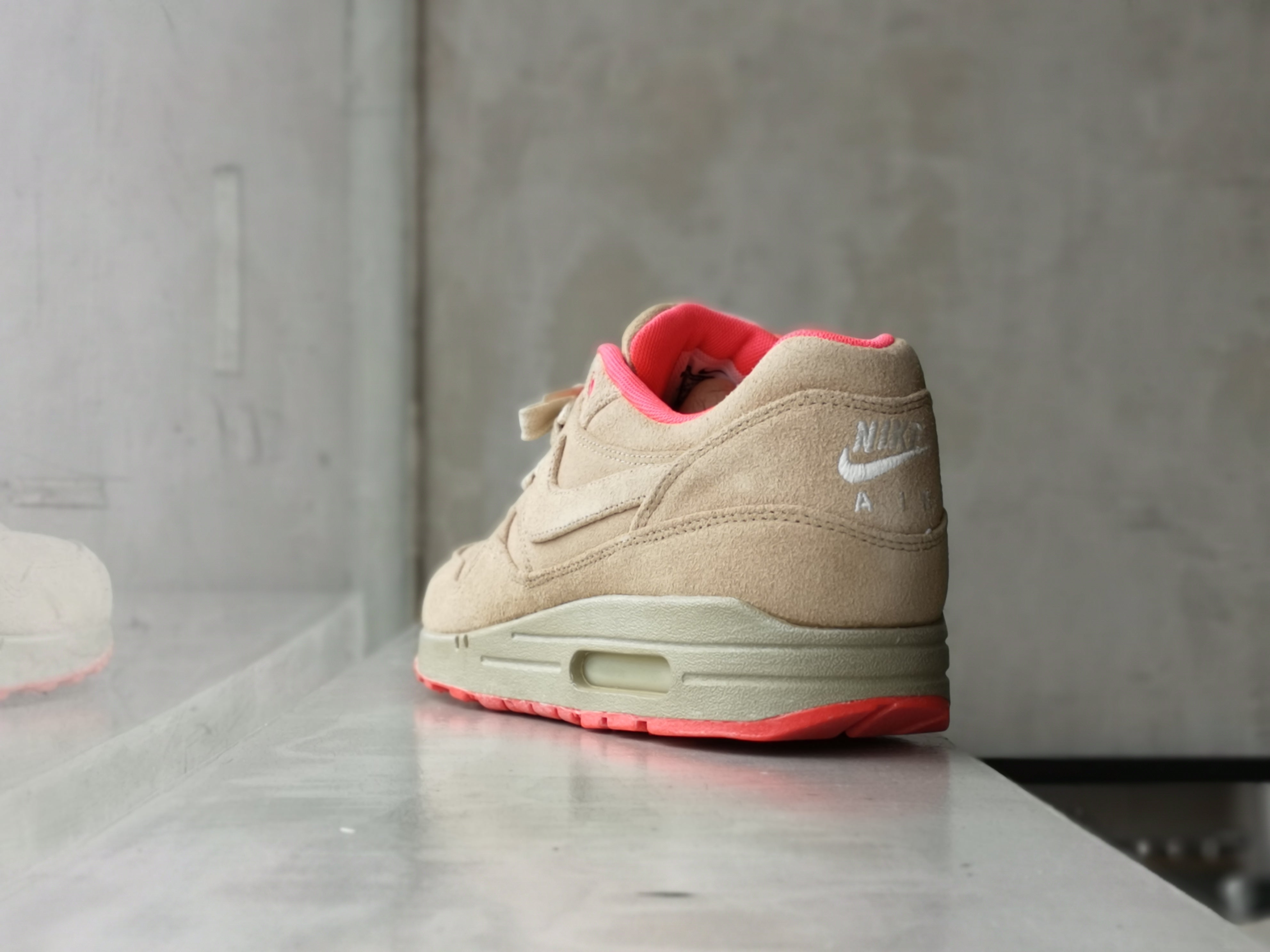 Nike Air Max One Milano QS Linen-Atomic Red 2012