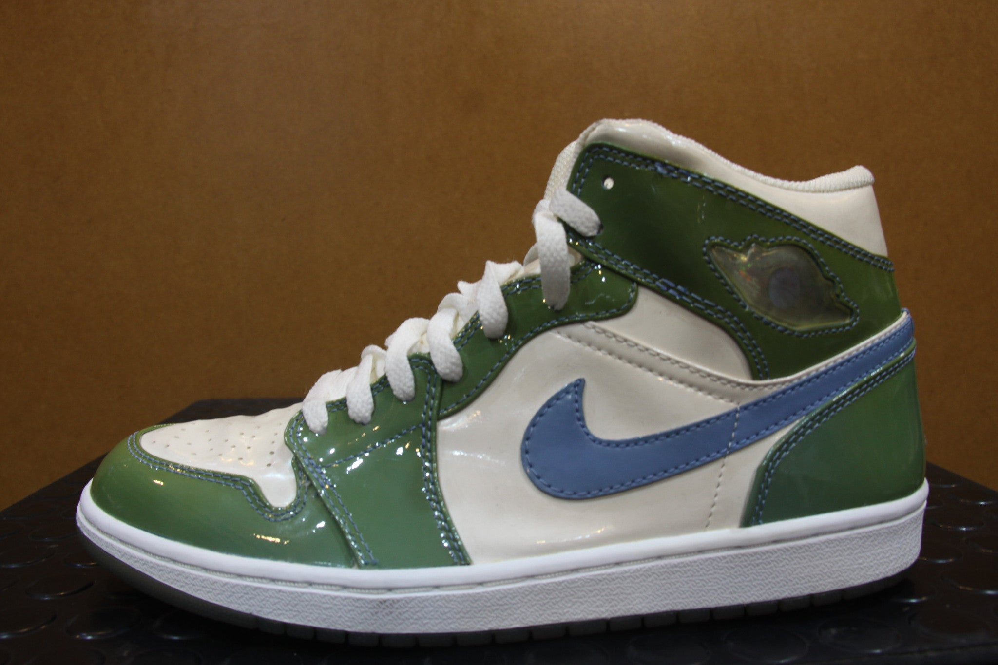 Air Jordan 1 North Carolina 2001