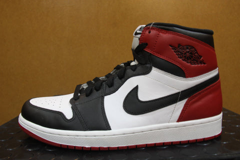 Air Jordan 1 Blacktoes