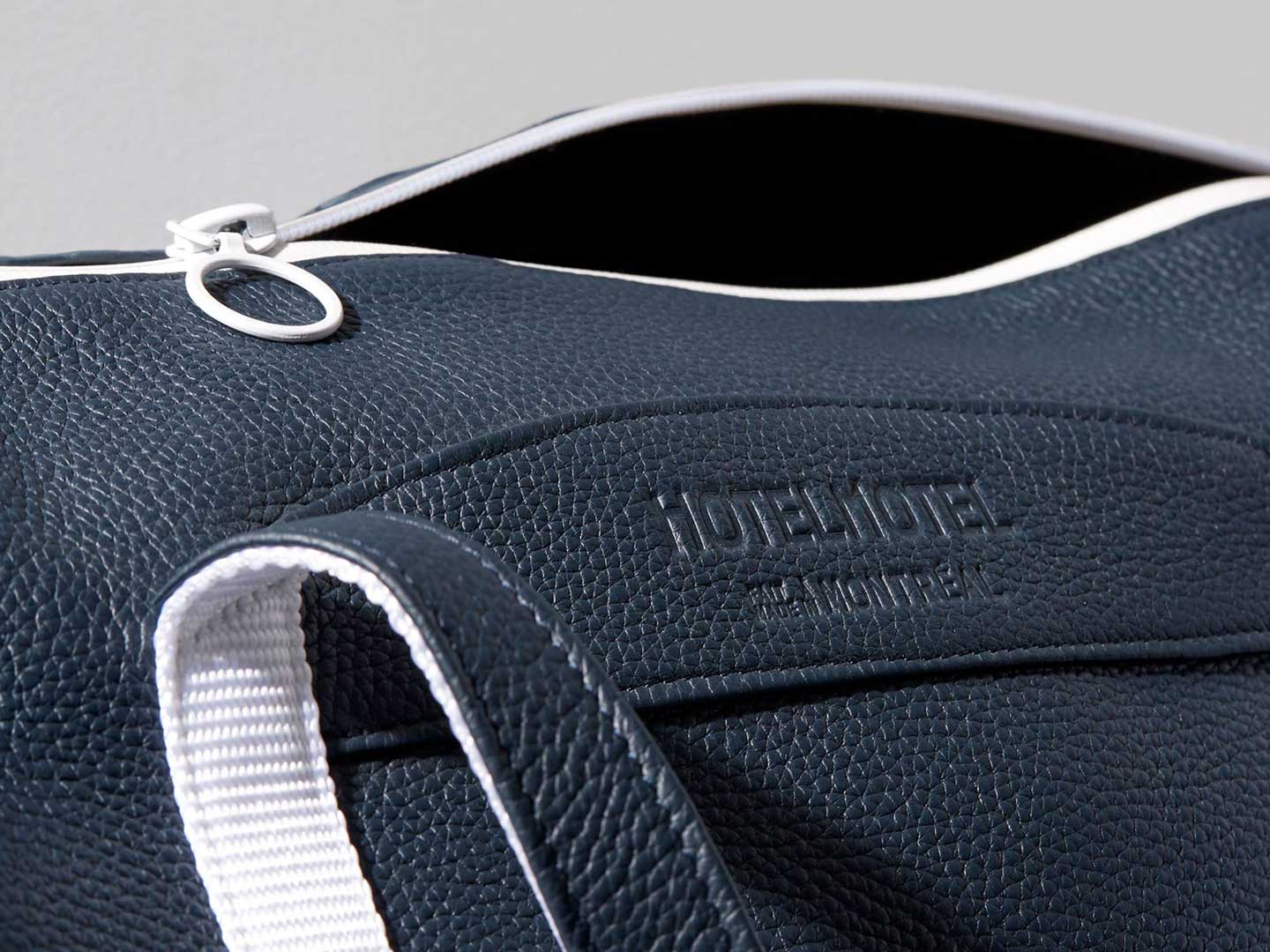 Super 8 Duffle – navy/white