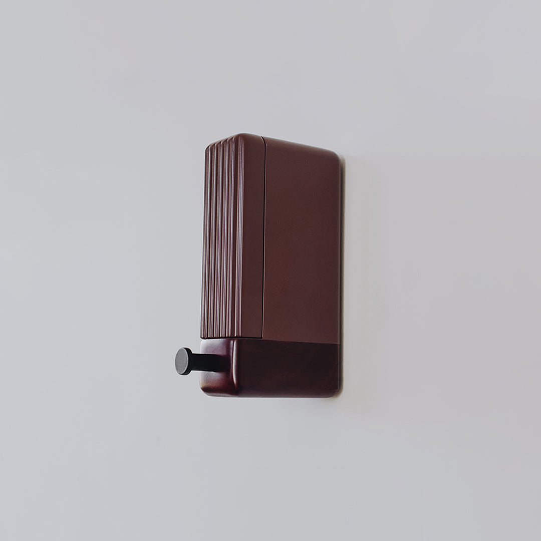 e[stock] Merlot Wall Mount
