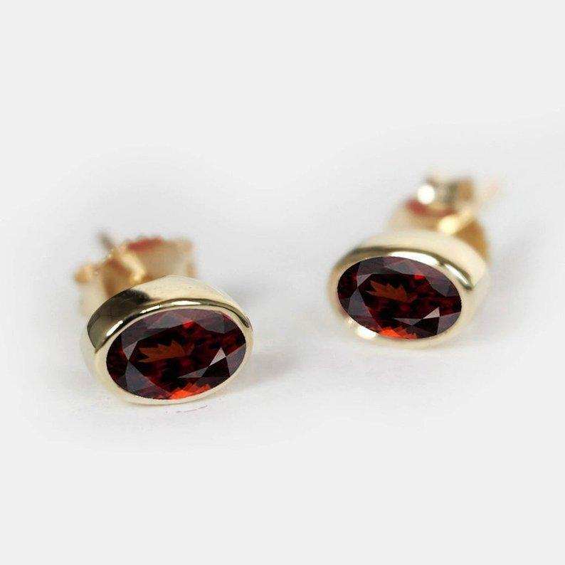 0.60 Carats 14k Solid Gold Garnet Earrings - SOVATS