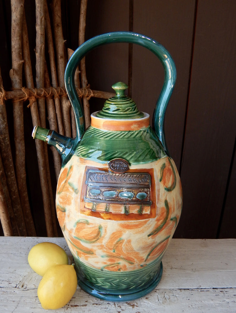 Oakland Pottery - Large Teapot (Cream/Green)