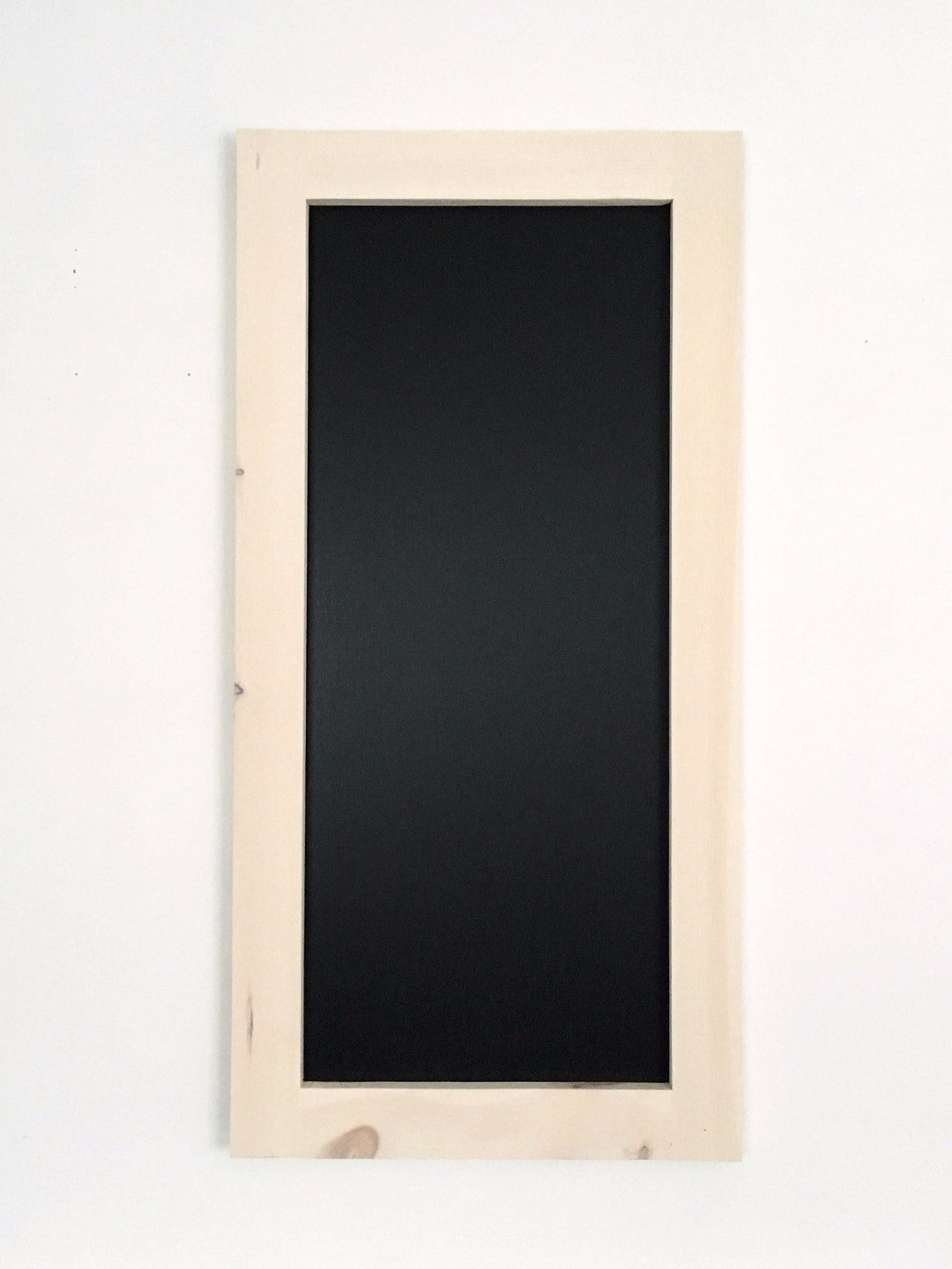 Long Chalkboard with White Wash Stained Pine Frame | 18"|1145|1526|?|b5f1ee095f06e6206aac38f899b2201e|False|UNLIKELY|0.32770371437072754