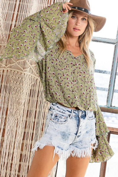 Charming You Boutique | Women's Top | Long Sleeve Floral Print Crop