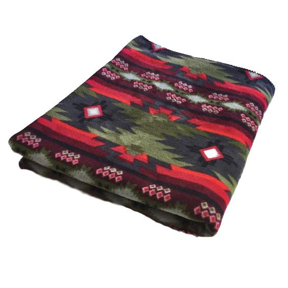 Rockmount Ranch Wear Home Fleece Blanket Green and Red