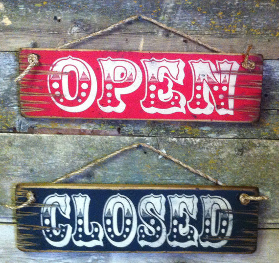Western Wall Sign: Open and Closed Sign Set