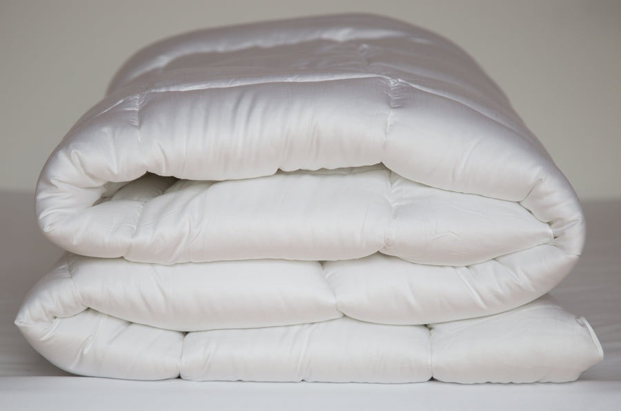 Plush Bamboo Down Alternative Comforter