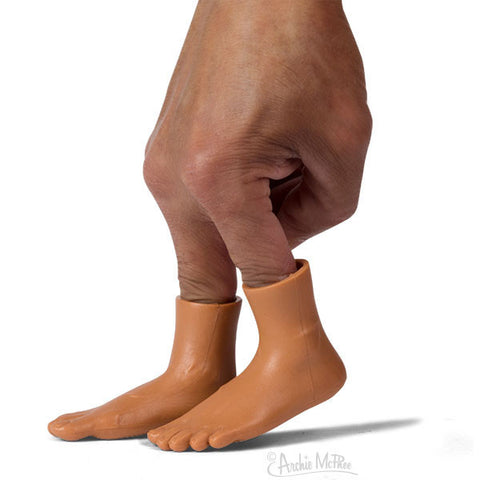 Finger feet dark skin tone