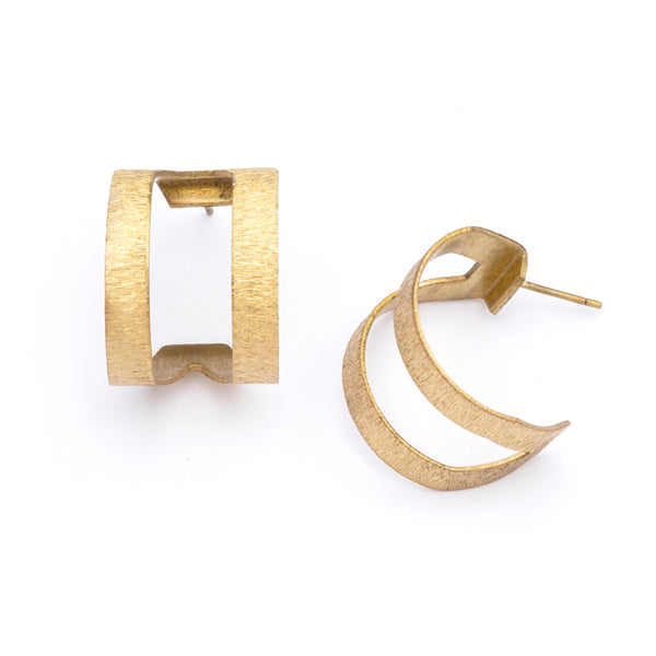 Kaia Link Stud Earrings