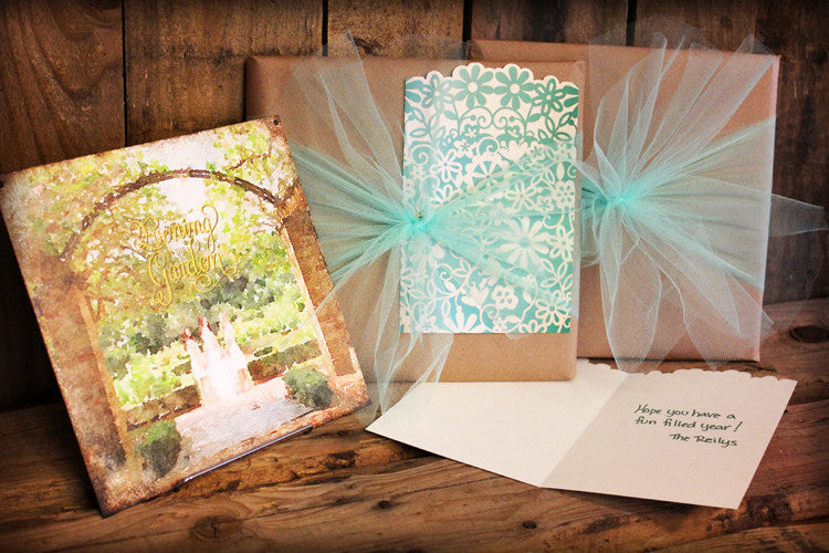 Gift Wrap with Card // 1 Package