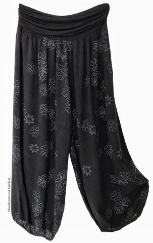 FLOWY AND CASUAL BLACK HAREM PANTS / CURVY / PLUS SIZE