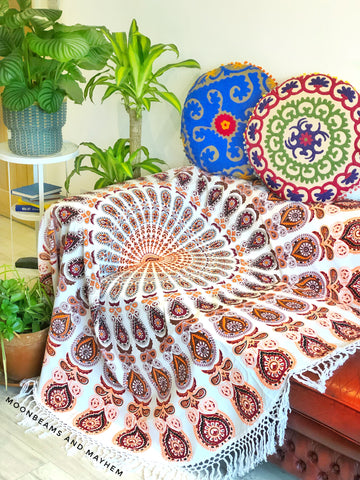 LARGE ROUND BOHEMIAN TASSEL THROW / TAPESTRY / ROUNDIE - MoonbeamsandMayhem