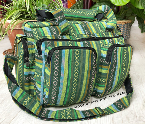 FABULOUS GREEN HOLDALL / TRAVEL SHOULDER BAG - MoonbeamsandMayhem