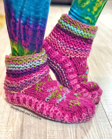 FABULOUS FLEECE LINED PINK SNUGGLE SOCKS / SLIPPERS
