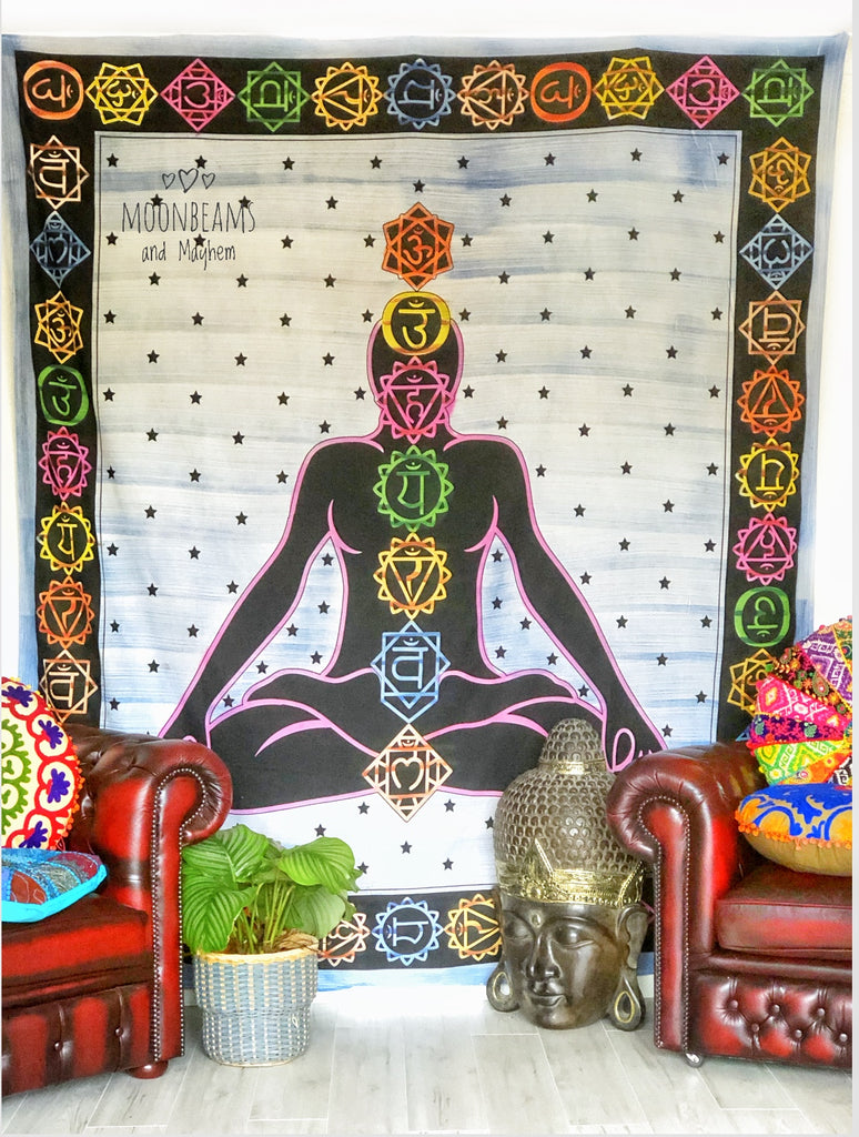 STRIKING LARGE CHAKRA WALL HANGING / TAPESTRY / THROW - MoonbeamsandMayhem
