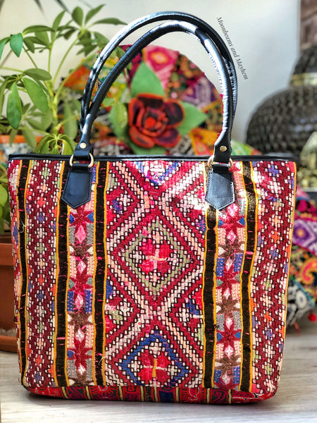 EXQUISITE BOHEMIAN VINTAGE FABRIC SHOULDER BAG - MoonbeamsandMayhem