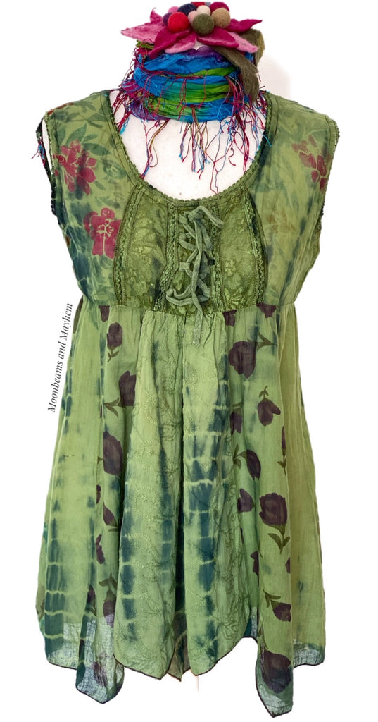 ENCHANTING FOREST GREEN PETITE TOP SIZE SMALL