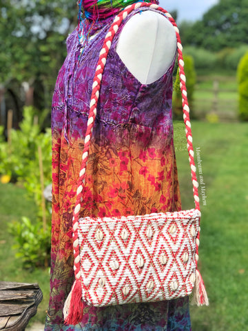 BEAUTIFUL BOHEMIAN SEASHELL BAG / PURSE - MoonbeamsandMayhem