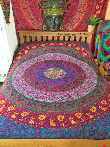 DELICIOUS PURPLE MIX MANDALA WALL HANGING / TAPESTRY / THROW