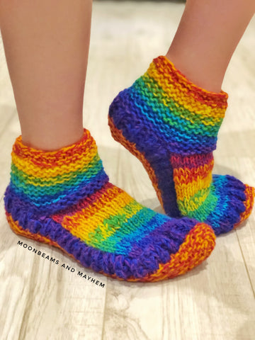 FABULOUS FLEECE LINED RAINBOW SNUGGLE SOCKS / SLIPPERS - MoonbeamsandMayhem