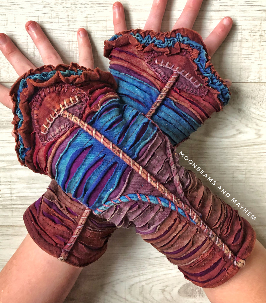 ENCHANTING 'DUSKY PURPLE' MUSHROOM WRISTLETS / GLOVES - MoonbeamsandMayhem
