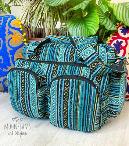 FABULOUS LAGOON BLUE HOLDALL / TRAVEL SHOULDER BAG - MoonbeamsandMayhem