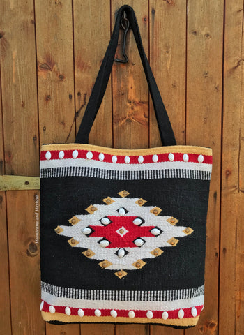 EYE CATCHING WOVEN TOTE / SHOULDER BAG