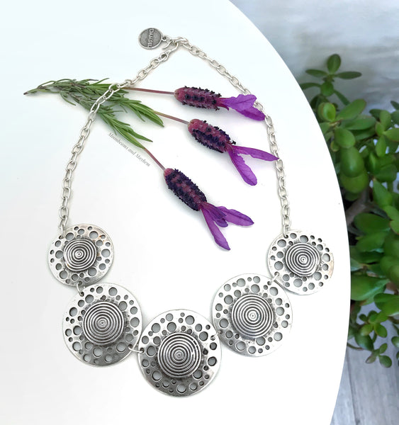 BEAUTIFUL BARCELONA NECKLACE - MoonbeamsandMayhem